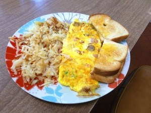 The Denver omelet with hash browns (Photo by Frank Sabatini Jr.)