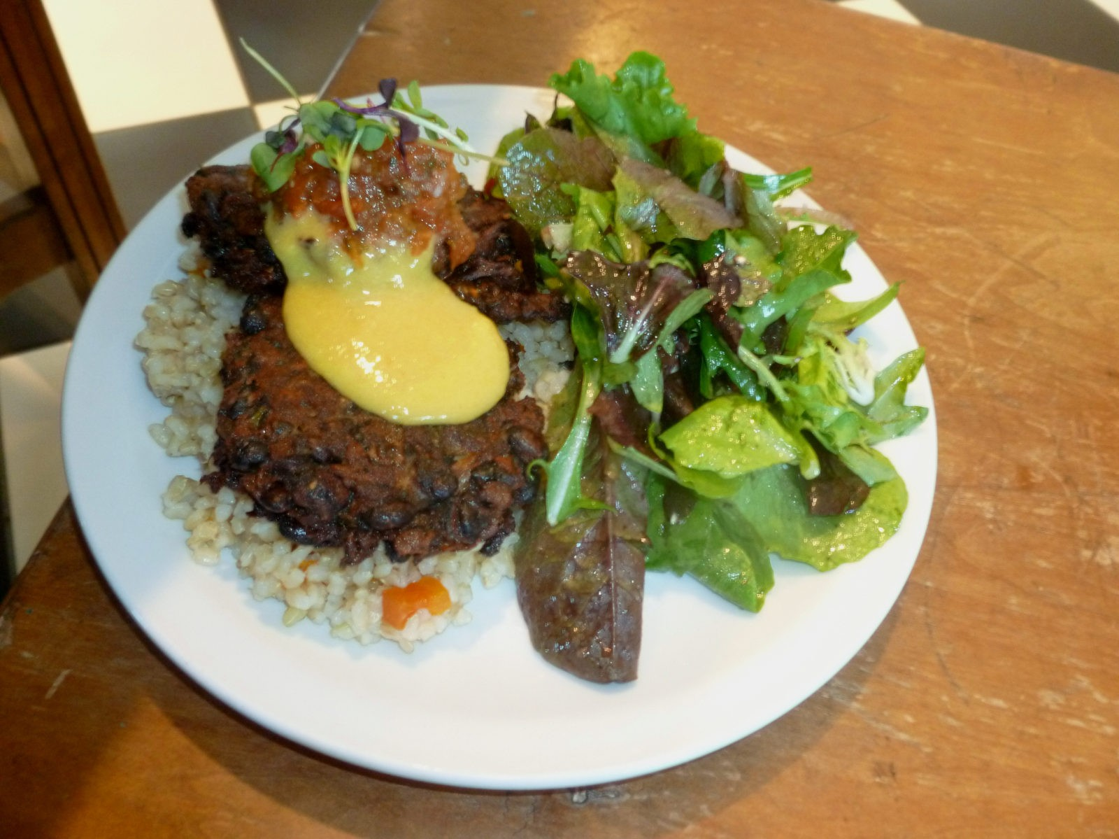 Black bean cakes with mango-habanero sauce (Photo by Frank Sabatini Jr ...
