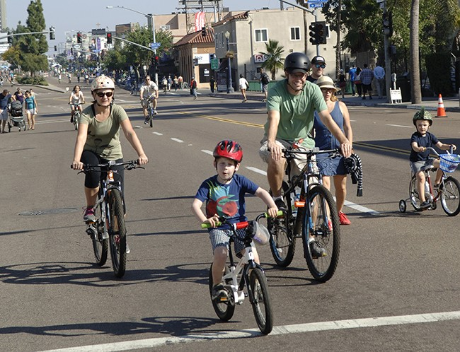 Cyclists at the recent CicloSDias event in Hillcrest (Photo by Son Appareil Photography)