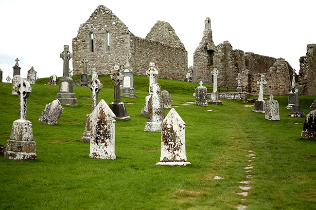 16th Century grave markers in Clonmacnoise (Photo by Ron Stern)