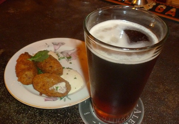 A Belgian IPA and meat croquettes (Photo by Dr. Ink)