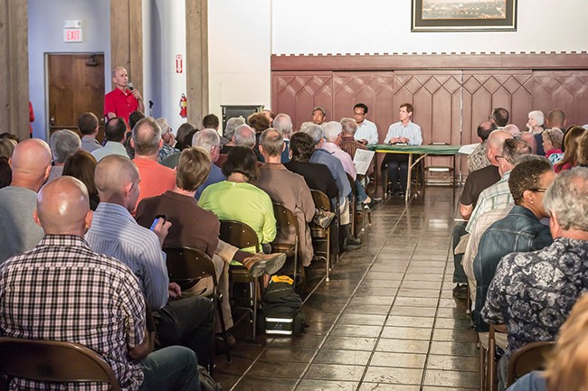 San Diegans gather for a special Uptown Planners meeting March 24 (Photo by John Thurston Photography)