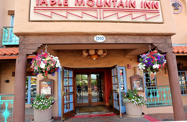 Adobe style Table Mountain Inn hotel (Photo by Ron Stern)