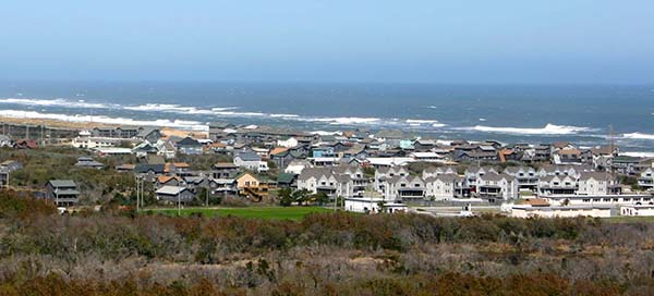 Coastline view of the Outer Banks (Photo by Ron Stern)