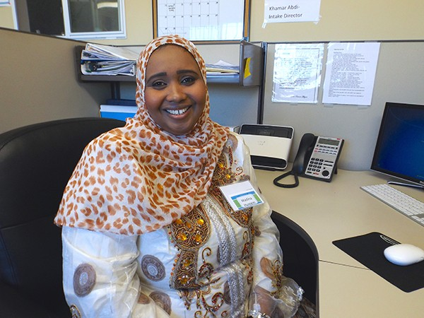 Madina Hussein uses the computer room for her studies. (Photos by María José Durán)