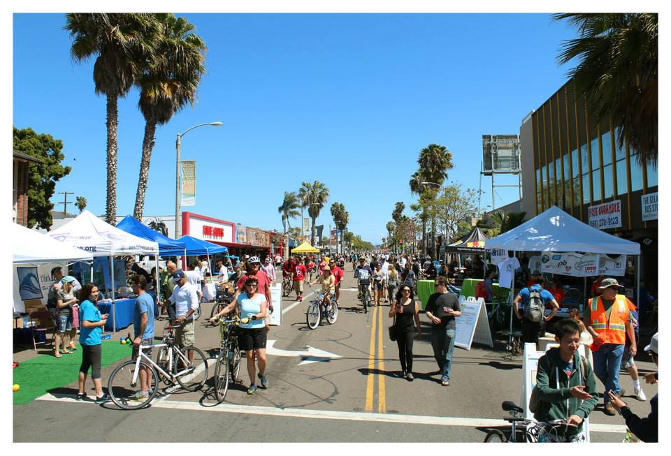 Thousands of people walk, bike, skate, rollerblade on closed-off streets during CicloSDias. (Courtesy of CicloSDias)
